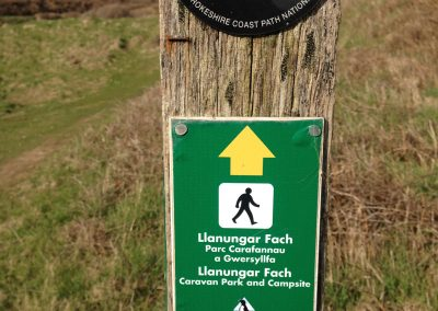 Llanungar signposted from the coast path